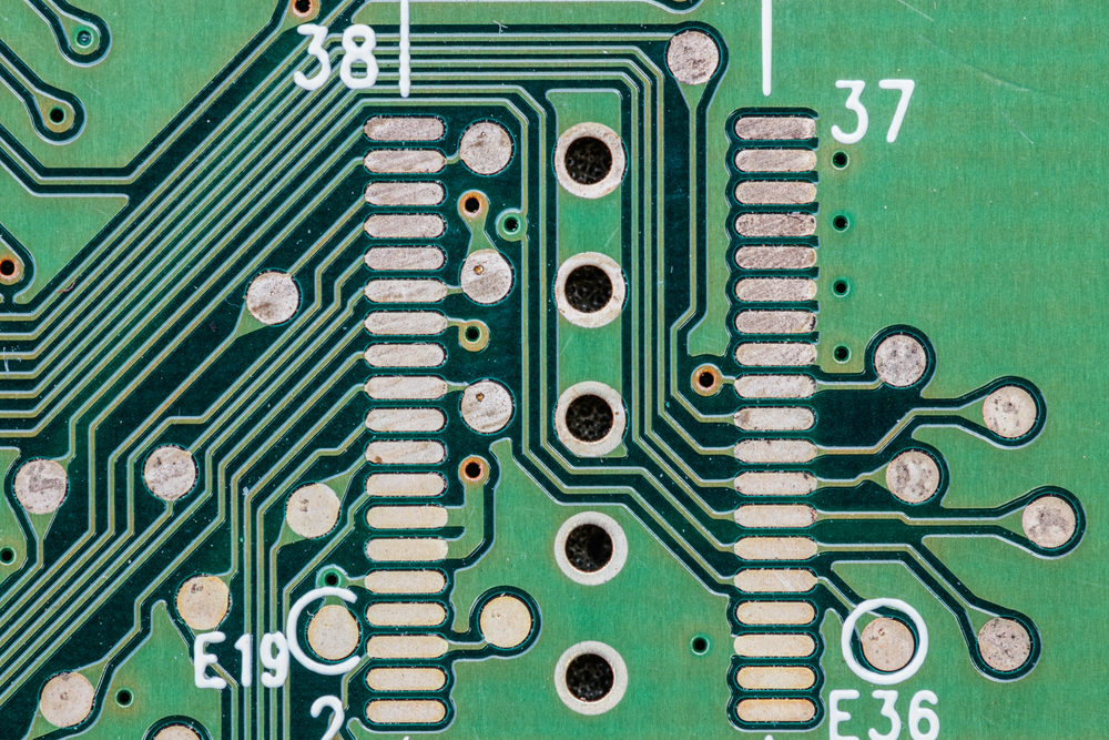7 Tips for Choosing the Best PCB Via Option | Tempo
